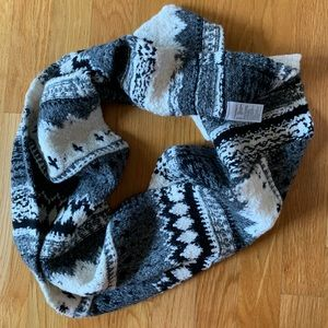 AE Soft, Patterned Scarf